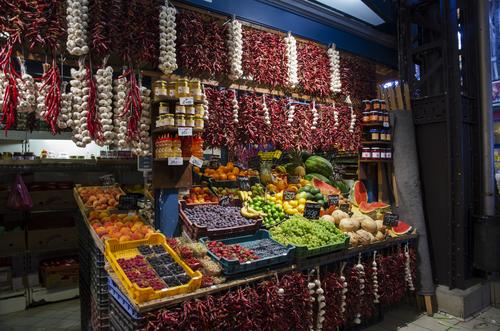 marknad med frukt